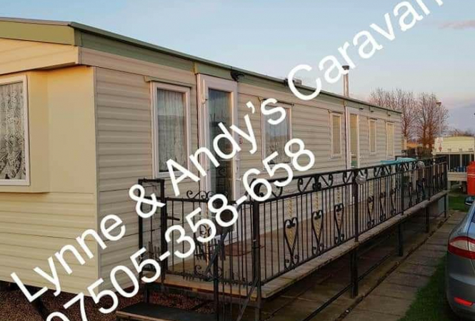Lynne & Andy's caravan home